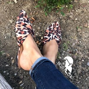 Shoes - Leopard knot Pointed Toe Slip On Flat Mules